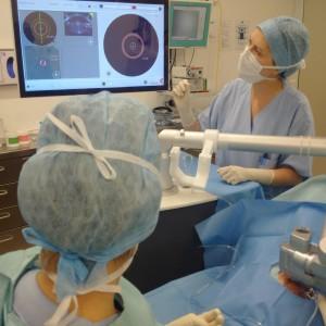 Operácia femto katarakta už aj laserom